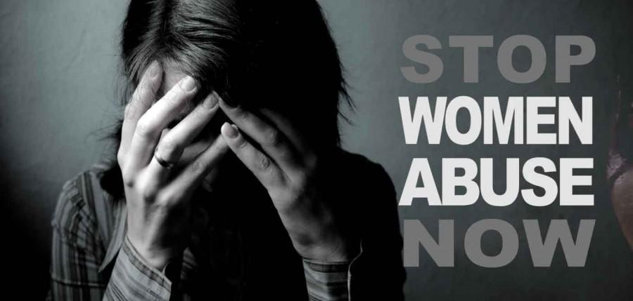 """Η κρίση """"κλείνει τα στόματα"""" κακοποιημένων γυναικών"""