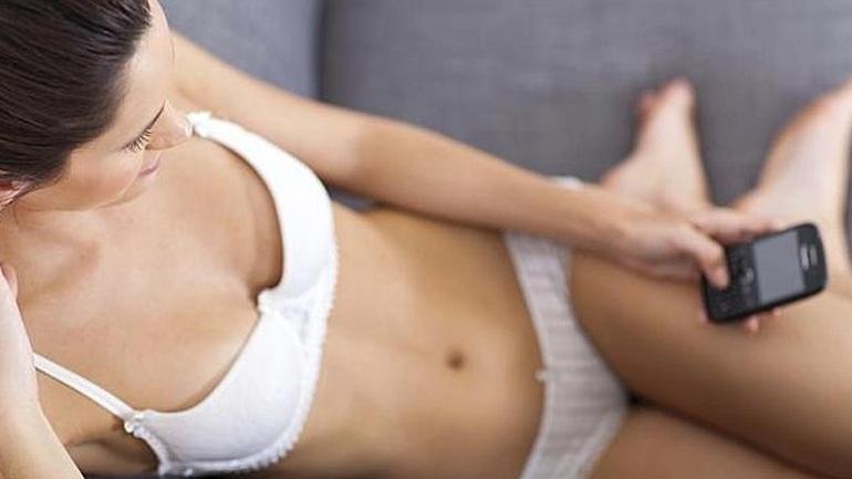 To sexting μειώνει την ανασφάλεια στα παντρεμένα ζευγάρια