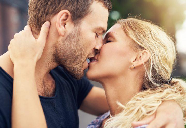 Πόσο συχνά κάνουμε σεξ ανάλογα με την ηλικία μας;