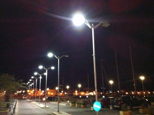 Τα έντονα φώτα στους δρόμους προκαλούν…