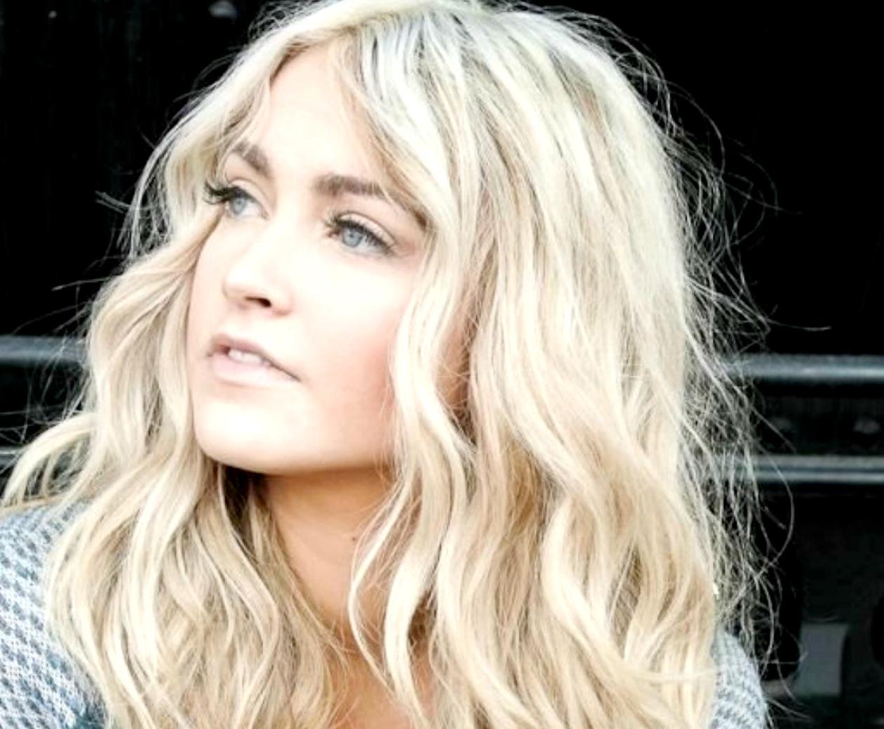 Εύκολος τρόπος για να αποκτήσετε κυματιστά μαλλιά (βίντεο)