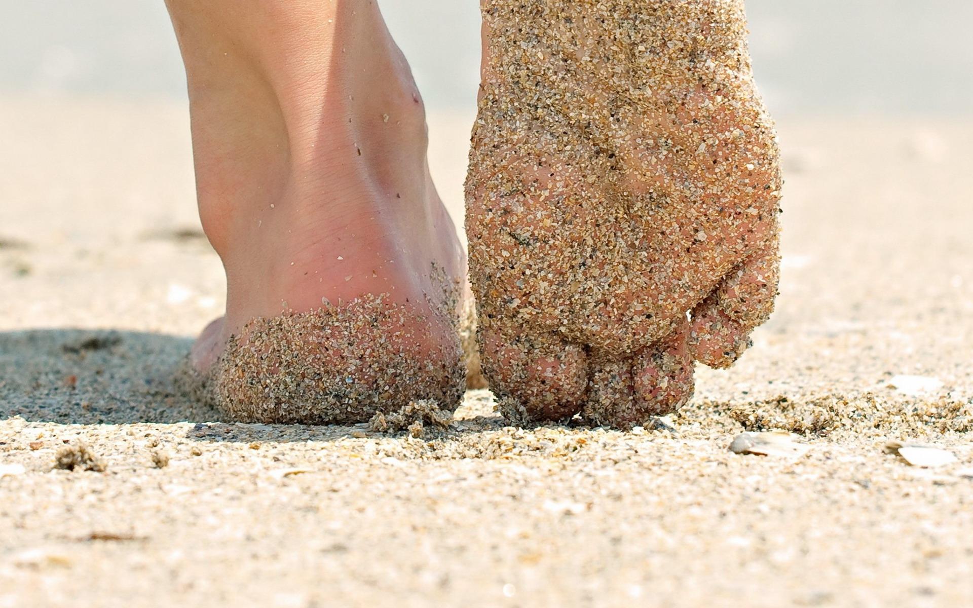 Φυσικές συνταγές για ξηρά πόδια και σκασμένες φτέρνες