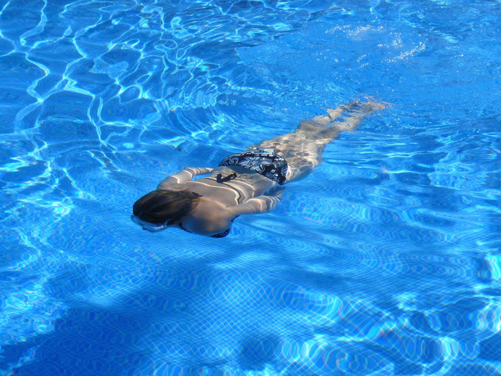 Κολύμβηση σε πισίνα και τρόποι προφύλαξης