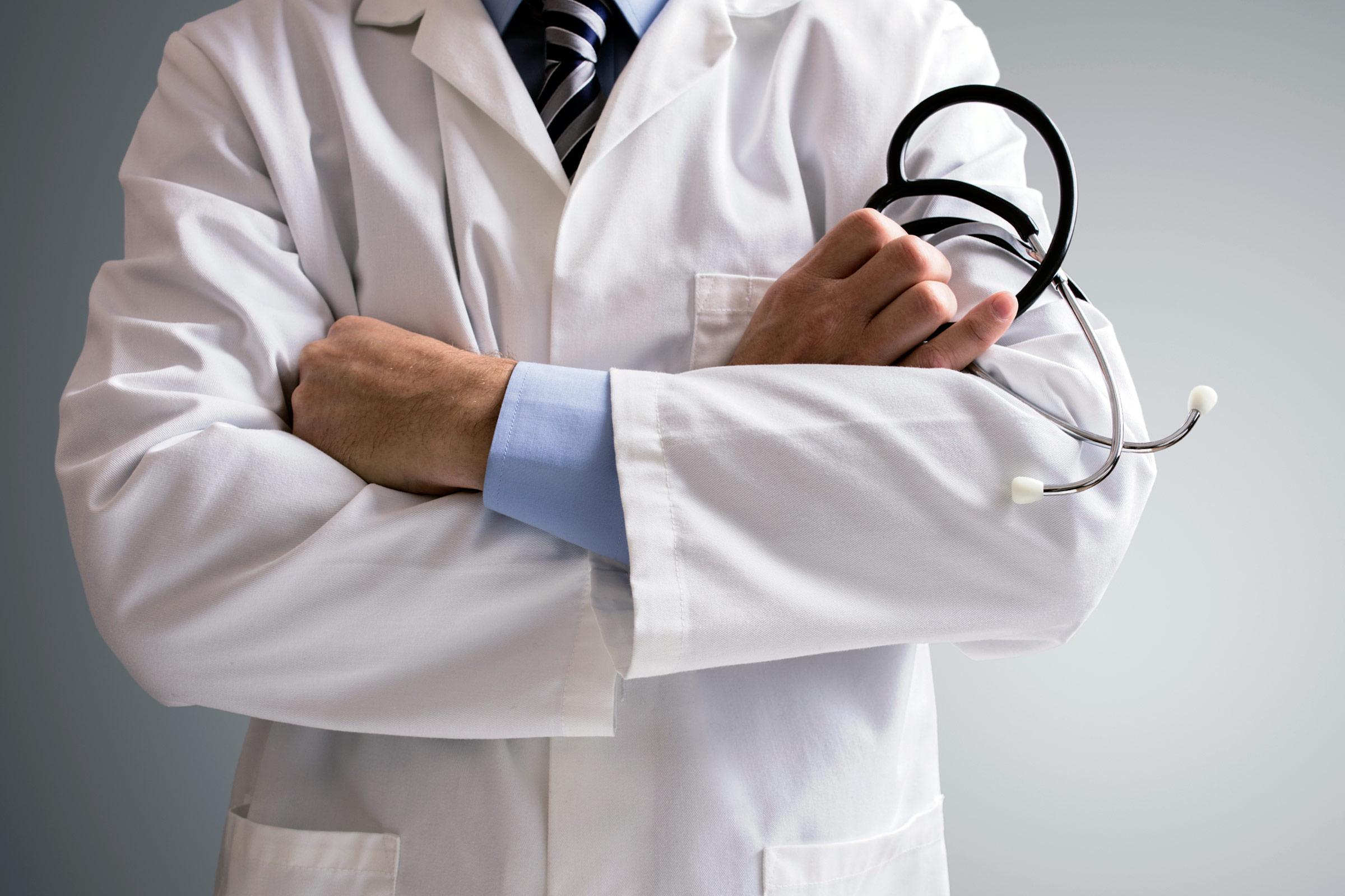Πότε εισπράττουν τα αναδρομικά οι γιατροί