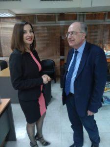 Ο πρόεδρος του Συνδέσμου Ιδιωτικών Κλινικών, Γρηγόρης Σαραφιανός με την δημοσιογράφο Νικολέτα Ντάμπου   .