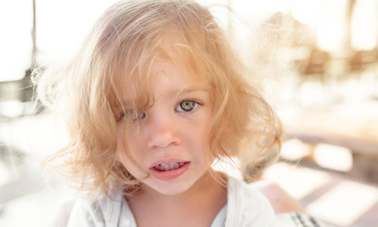Πότε και γιατί πέφτουν τα μαλλιά των παιδιών;