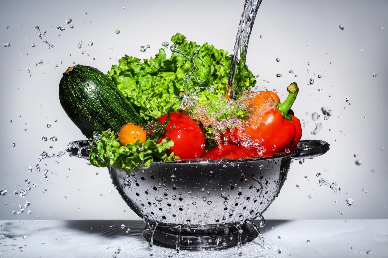 Πώς πλένουμε σωστά φρούτα και λαχανικά