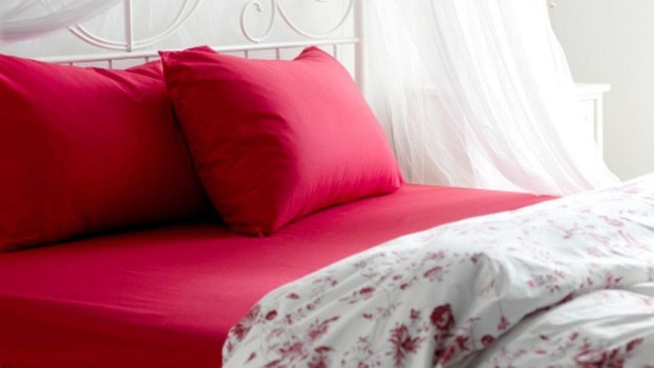 Σπίτι: Στρώσιμο του κρεβατιού – Λεκές από λάδι