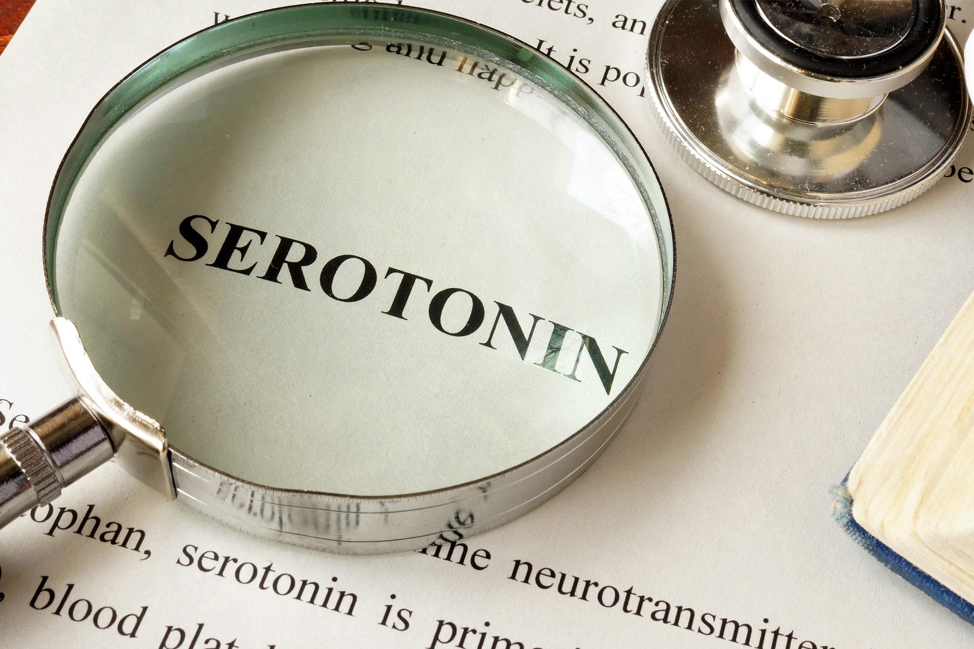 Τι προκαλεί η ταχεία απελευθέρωση σεροτονίνης στο νευρικό σύστημα