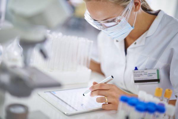 Κλινικές μελέτες στην Ελλάδα: Προβλήματα και εμπόδια για τους ασθενείς