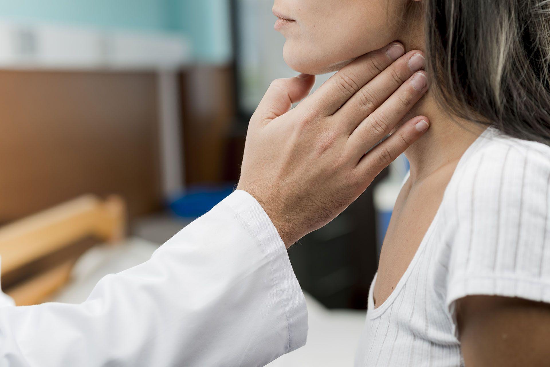 Ποια συμπτώματα δείχνουν όζους στο θυρεοειδή