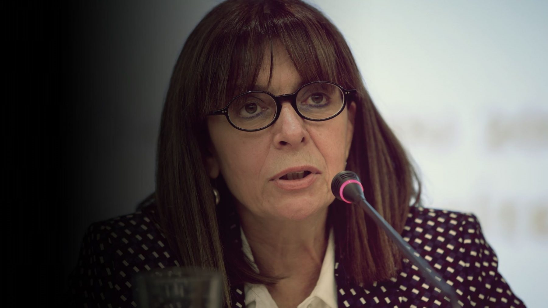 Σακελλαροπούλου: Τρικάκια υπέρ του Κουφοντίνα έξω από το σπίτι της