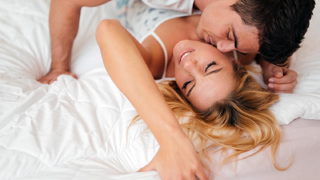 Περίοδος σεξ: Συνδέεται η έμμηνος ρύση με το βαθμό σεξουαλικής έλξης;