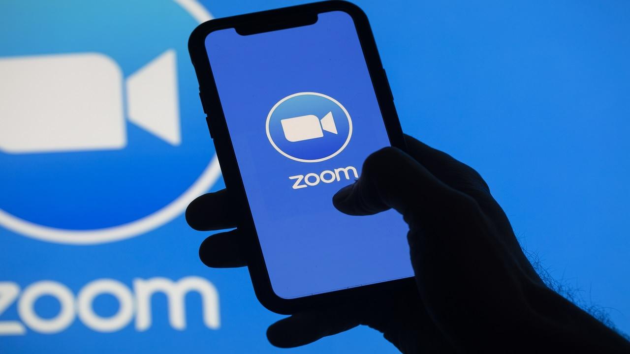 Zoom meeting: Ένα από τα λίγα success stories την περίοδο της πανδημίας