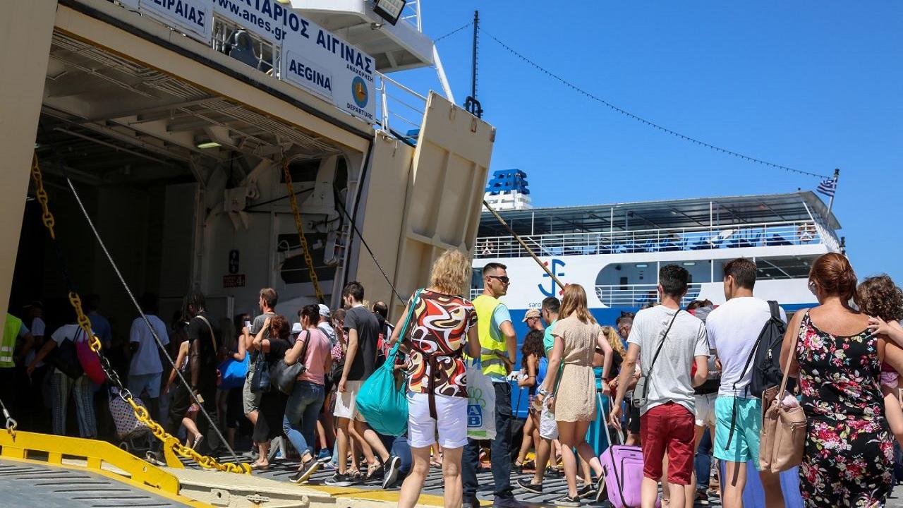 Κορωνοϊός τουρισμός: Σημαντική πτώση στα έσοδα Ιουλίου