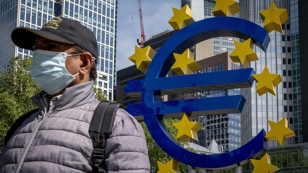 Κορωνοϊός οικονομία Ευρωζώνη: Χαλαρή δημοσιονομική πολιτική και το 2021