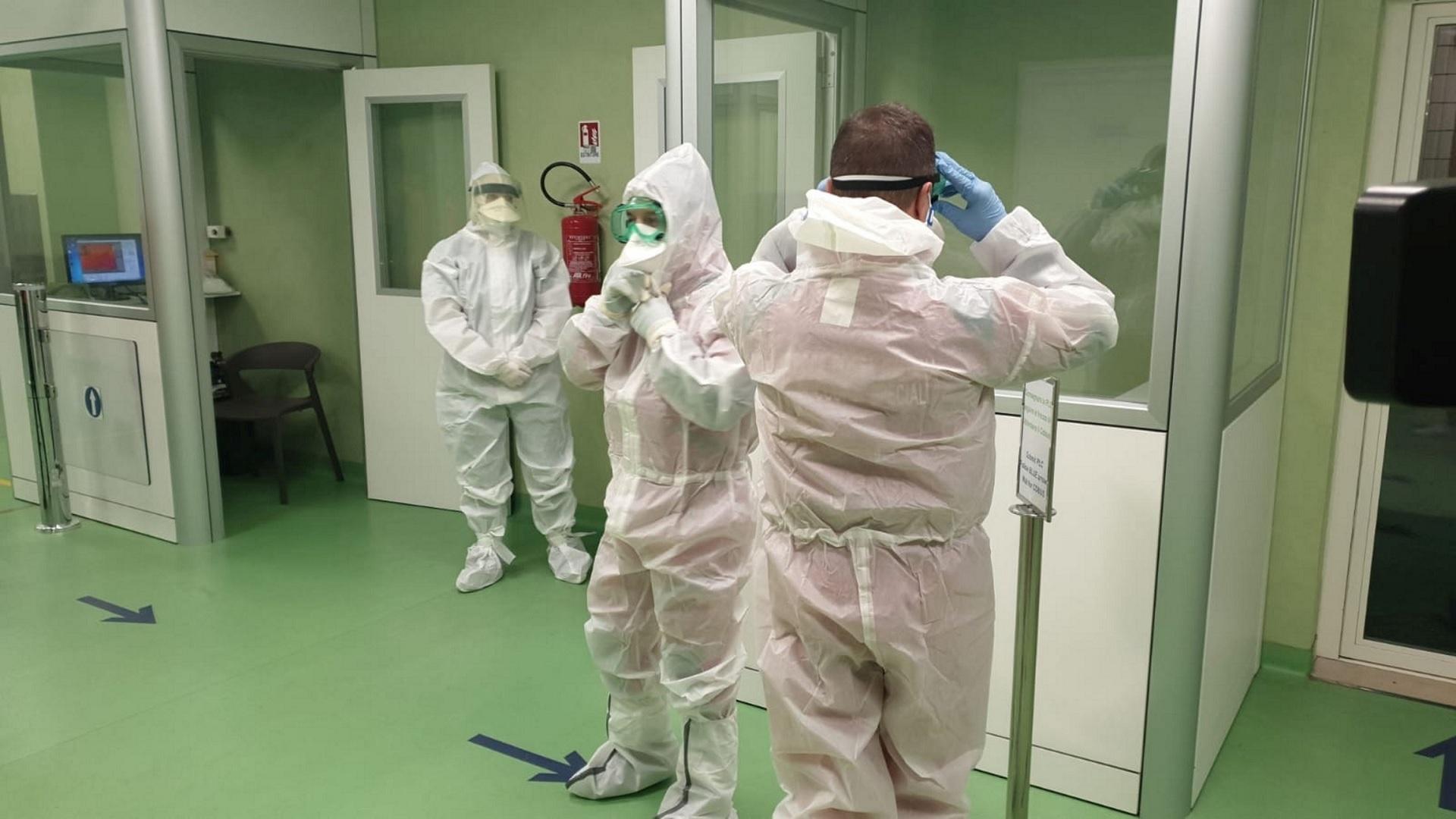 Κορωνοϊός σύμπτωμα ανοσμία: Σημάδι μόλυνσης από τον ιό