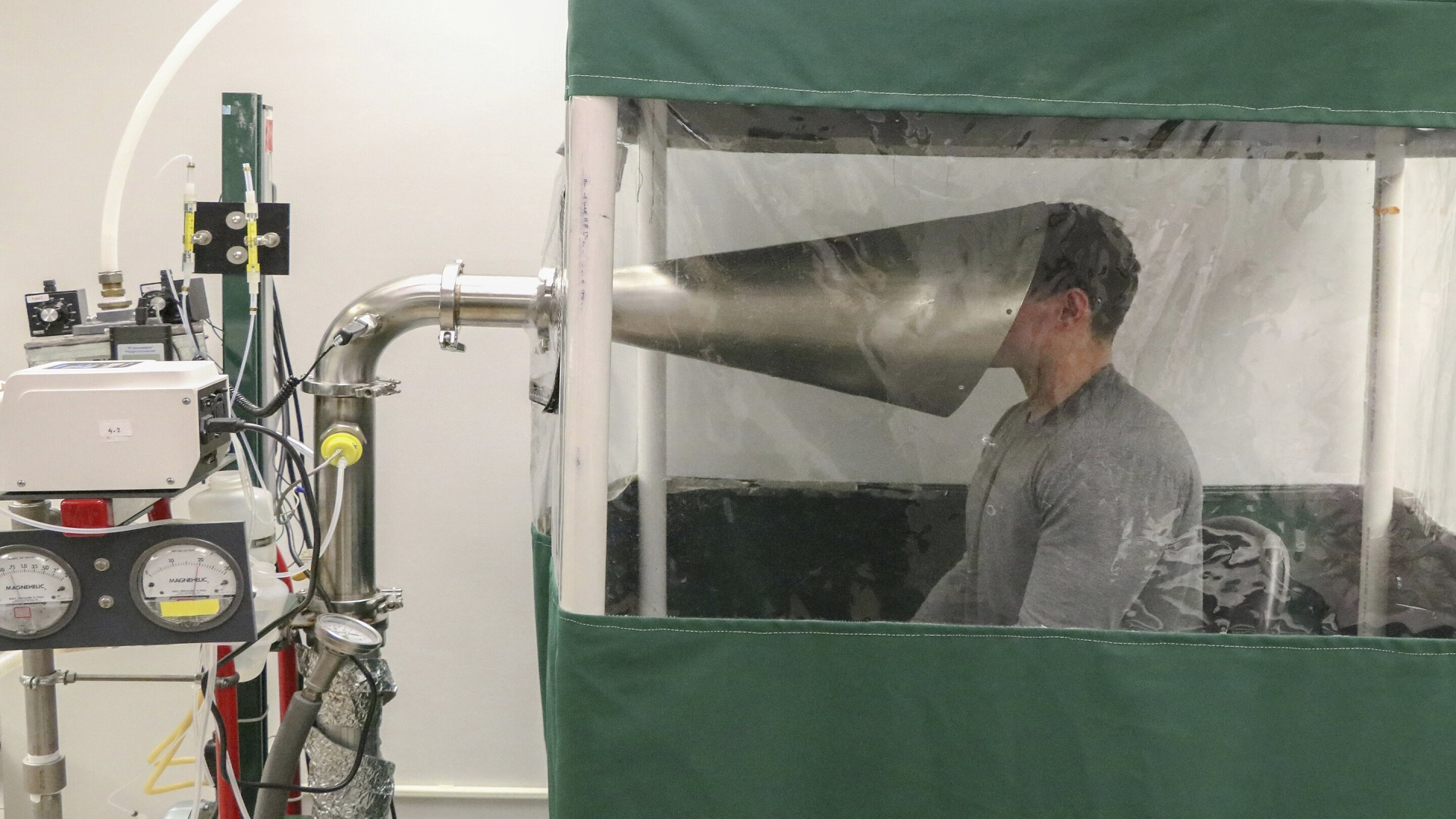 Κορωνοϊός μετάδοση μόλυνση: Προβληματίζουν τα μικροσκοπικά αερομεταφερόμενα σωματίδια