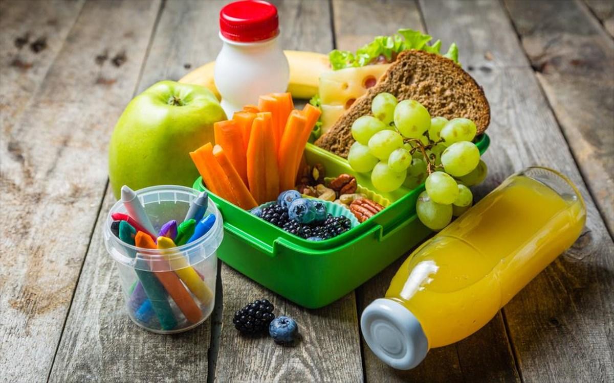 Παιδί κολατσιό σχολείο: Δύο υγιεινές και γρήγορες συνταγές