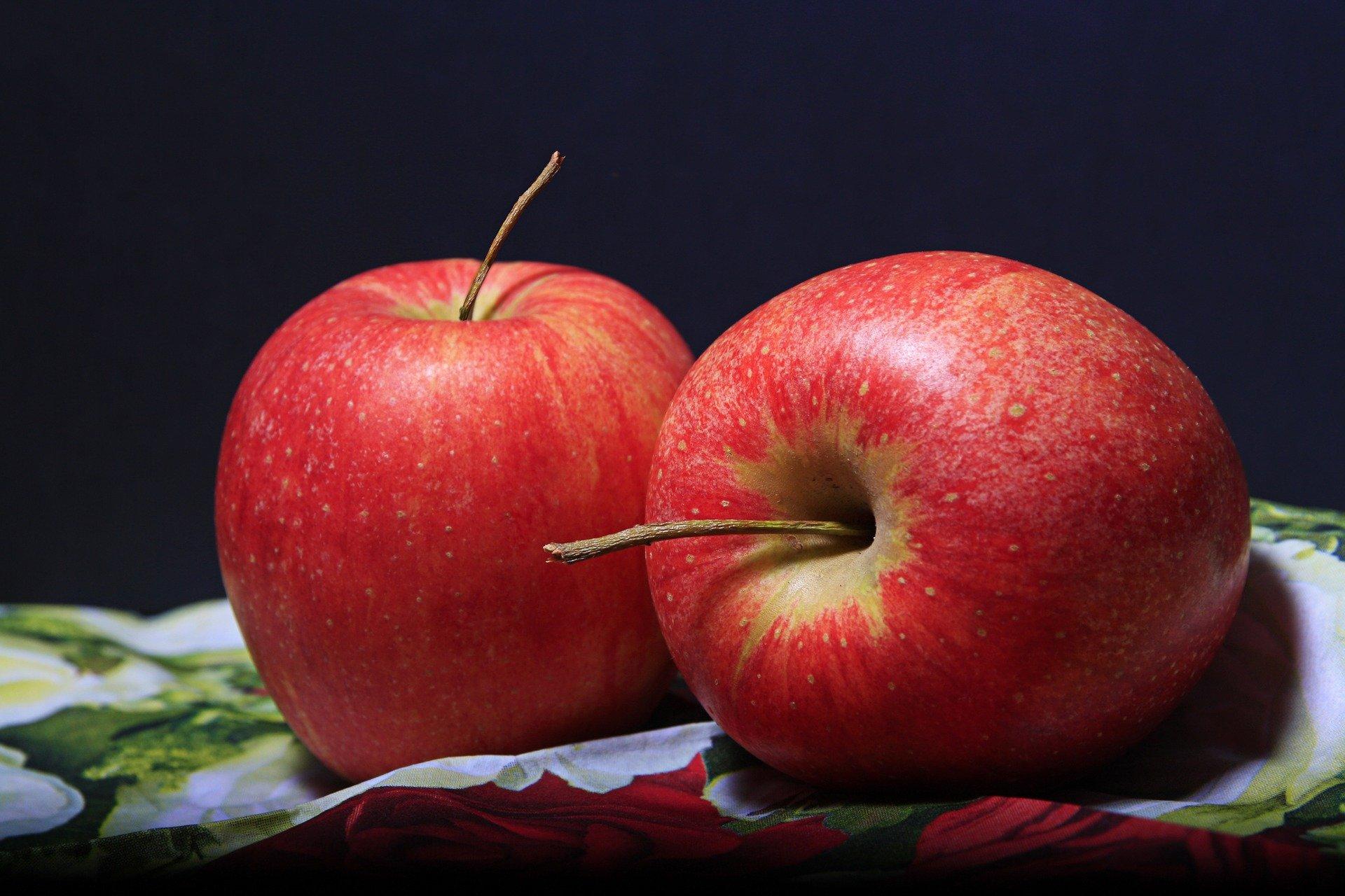 Μήλο κοιλιά λίπος: Η κατανάλωση ενός μήλου ημερησίως βοηθά στην καύση του λίπους στην κοιλιά