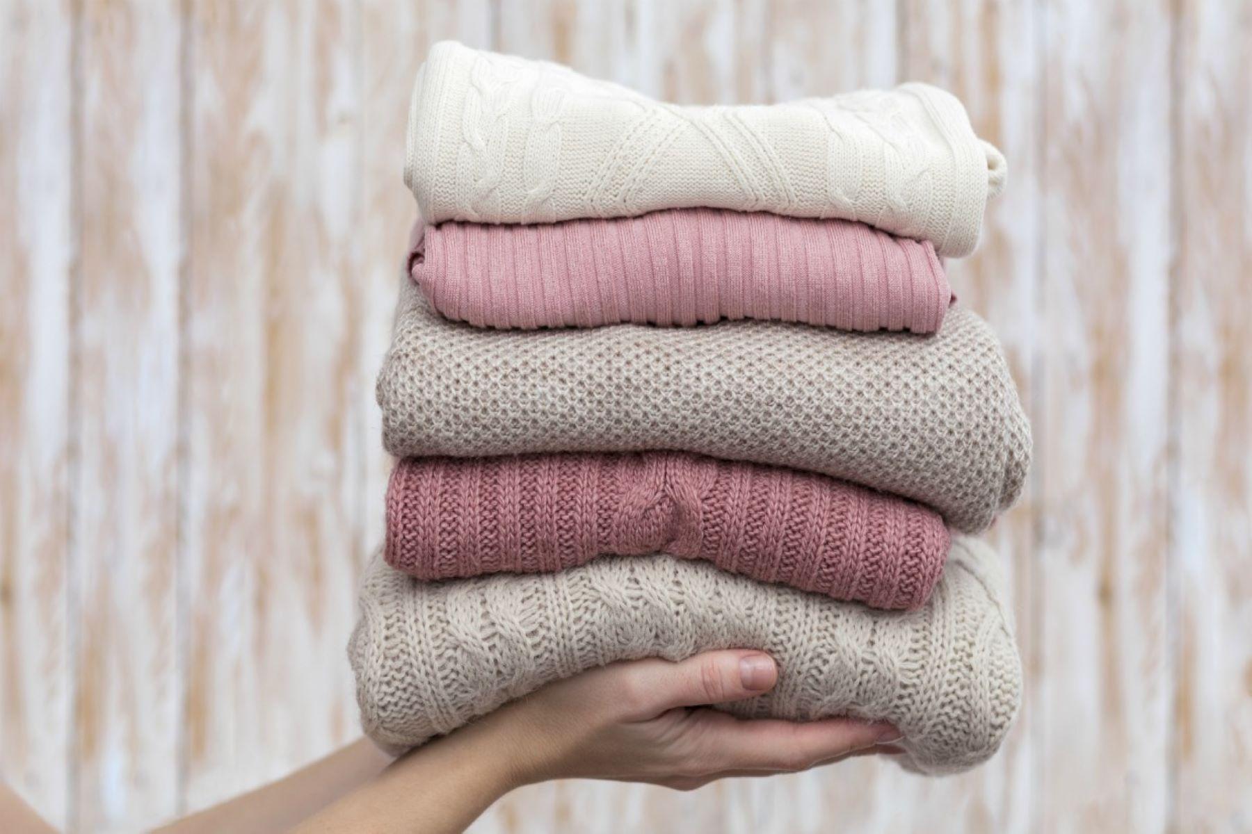 Μάλλινα ρούχα πλύσιμο: Συμβουλές για να μην χαλάσουν
