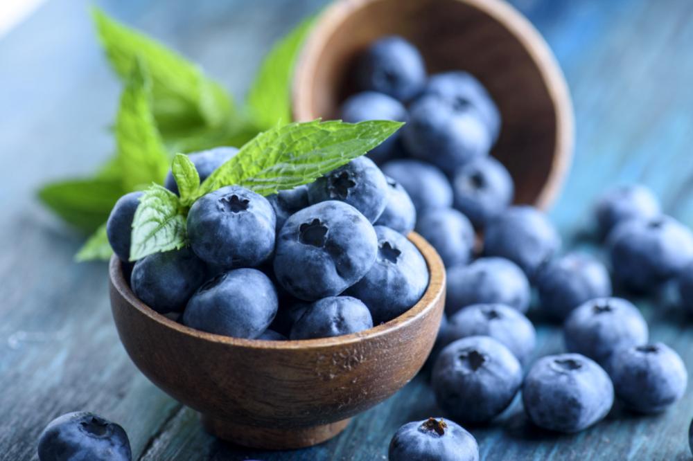 Μπλε φρούτα και λαχανικά: Τα οφέλη της κατανάλωσης μπλε φρούτων και λαχανικών για την υγεία [vid]