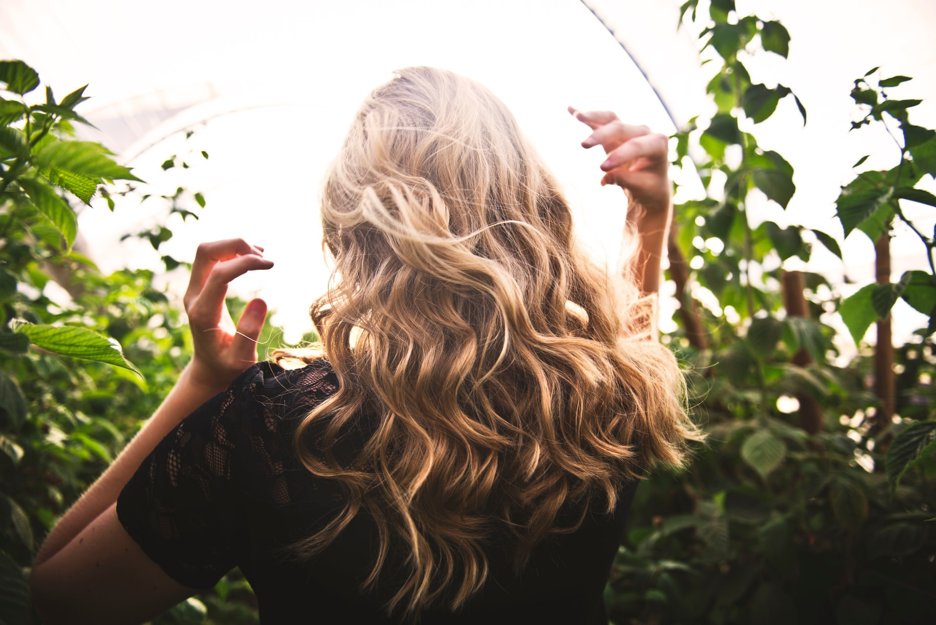 Φυσικά Μακριά Μαλλιά: Πώς να επιταχύνετε το ρυθμό ανάπτυξης των μαλλιών σας φυσικά [vid]