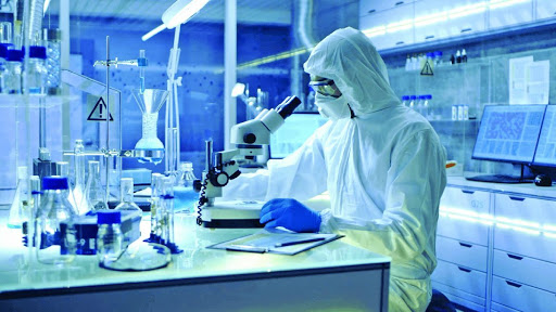Φαρμακοβιομηχανία κορωνοϊός: Ο αγώνας για έγκαιρη παραγωγή εμβολίου
