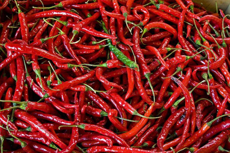 Καυτερή πιπεριά οφέλη: Συμβάλλει στην μακροζωία