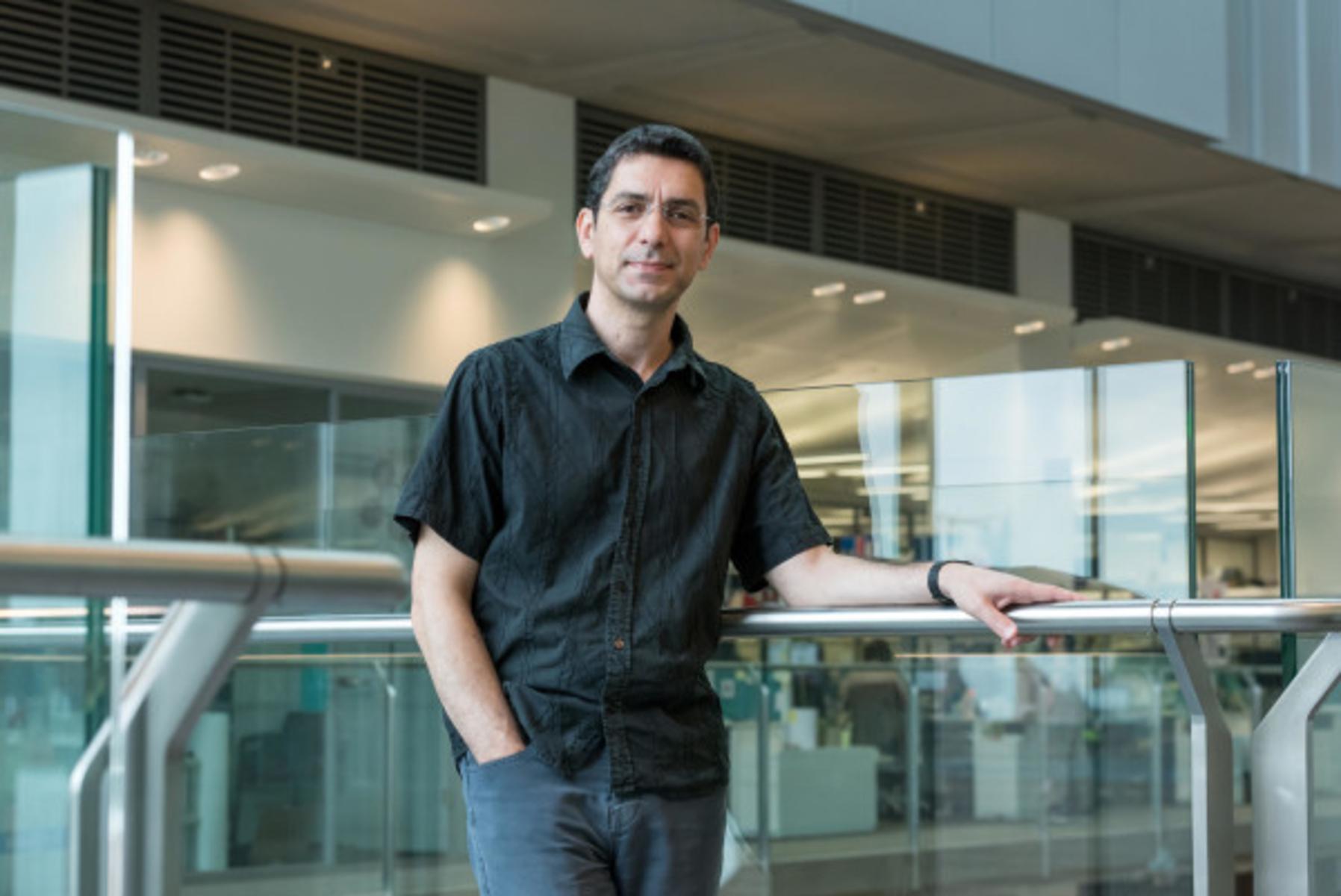 Κορωνοϊός- Γ. Κασσιώτης: Πρωτοστατεί σε έρευνα για την ανοσία έναντι του νέου ιού