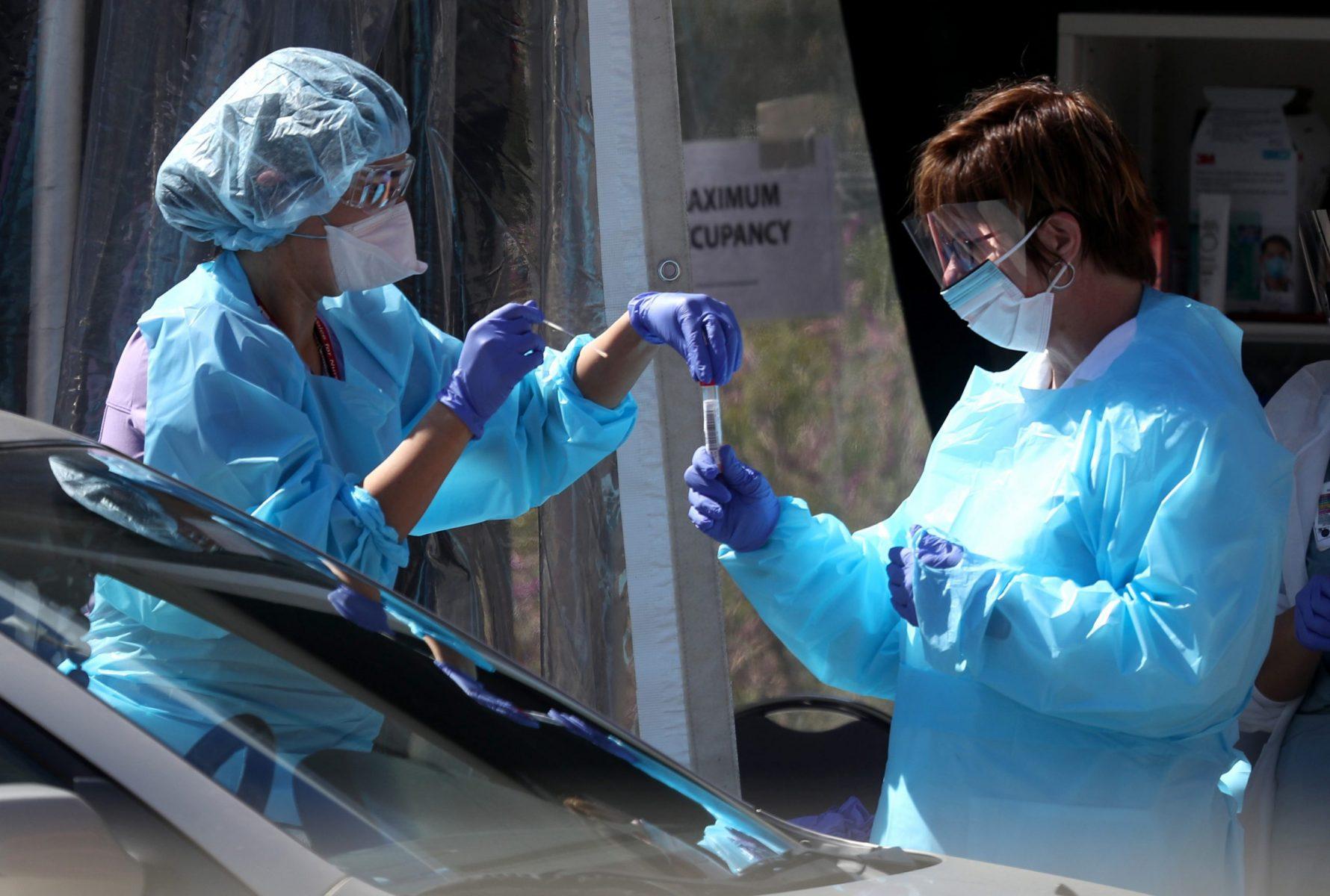Πανδημία γιατροί: Πώς οι ιατρικές σχολές εκπαιδεύουν τη νέα γενιά γιατρών