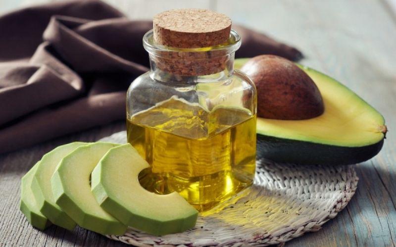 Λάδι αβοκάντο: 7 οφέλη στο δέρμα