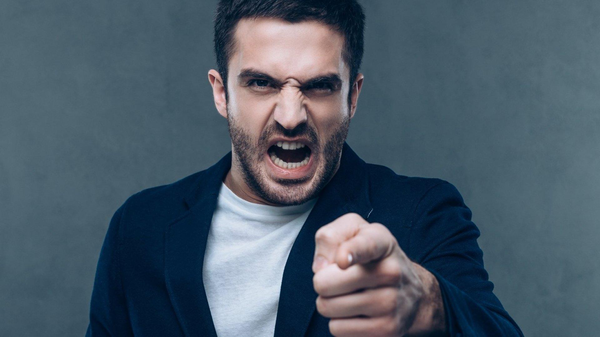Επιθετικότητα ένταση: Πώς να ελέγχεις το θυμό σου [pic, vid]