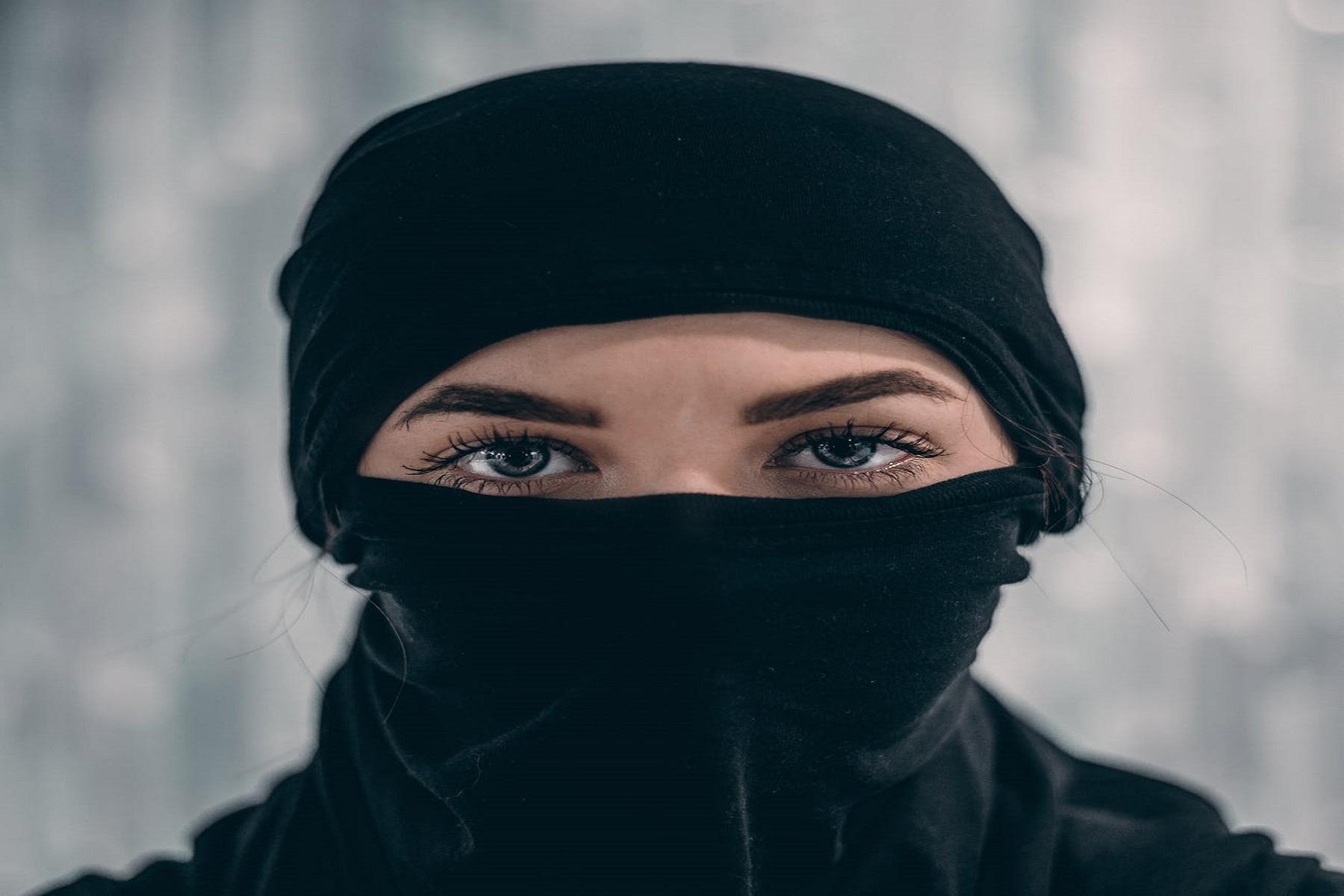 Μάσκα Μακιγιάζ: Τι γίνεται με το θέμα του «ξεβάμματoς» του makeup πάνω στη μάσκα;