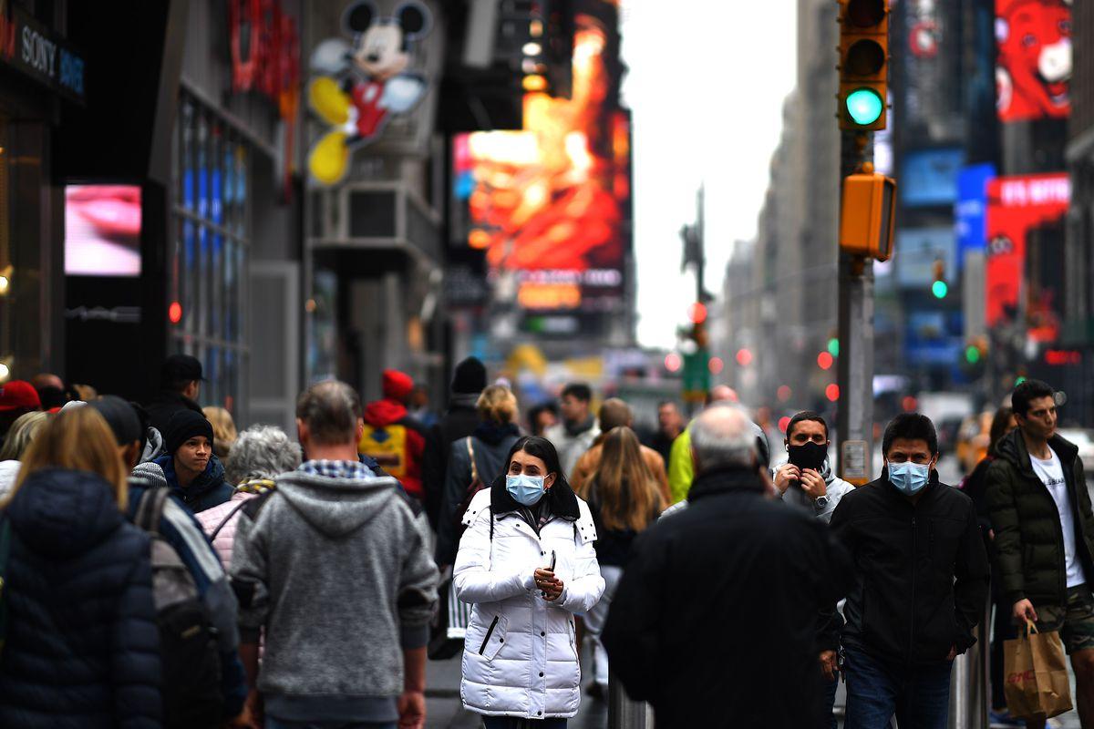 ΗΠΑ Φαούτσι προειδοποιήσεις: Ραγδαία αύξηση των κρουσμάτων λόγω ημέρας Ευχαριστιών
