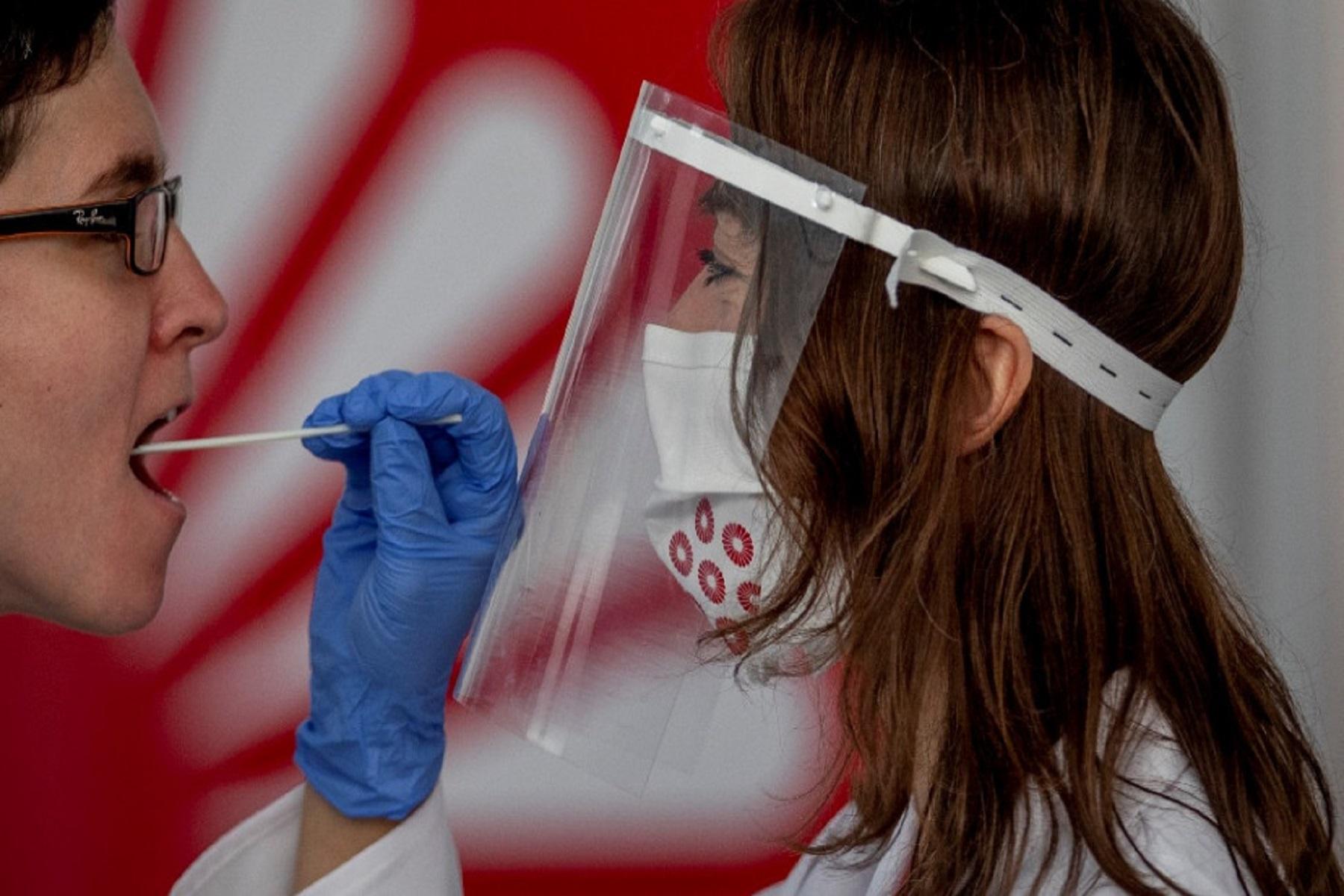 FDA ΗΠΑ: Εγκρίθηκε το πρώτο τεστ αυτοελέγχου για Covid-19