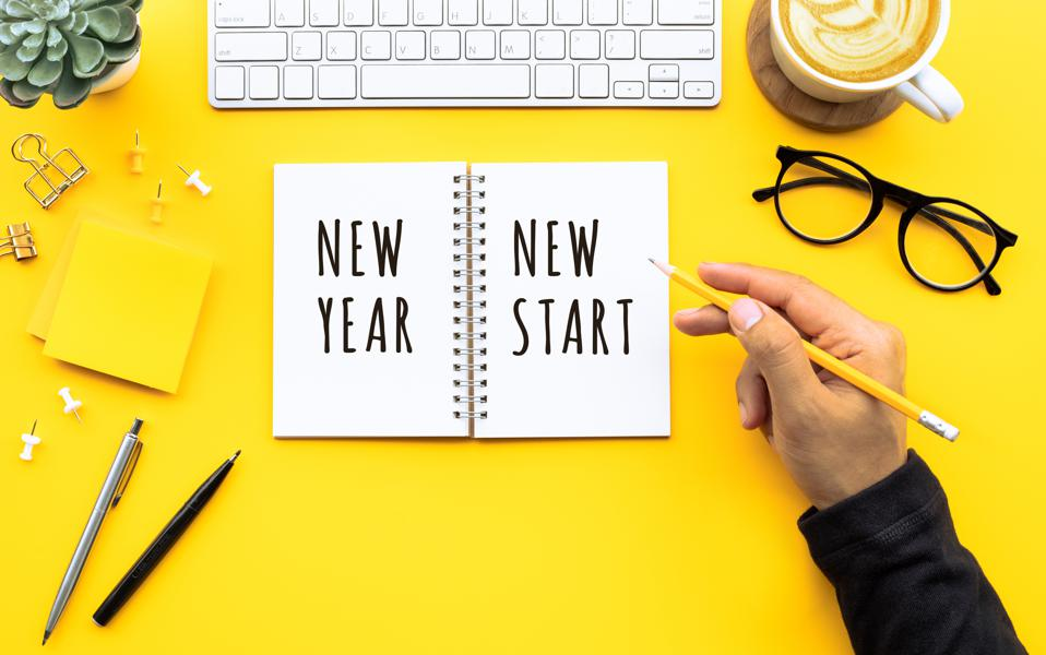 New Year's Resolutions 2021: Πώς θα κάνεις τις αποφάσεις σου για το νέο έτος καλύτερες;