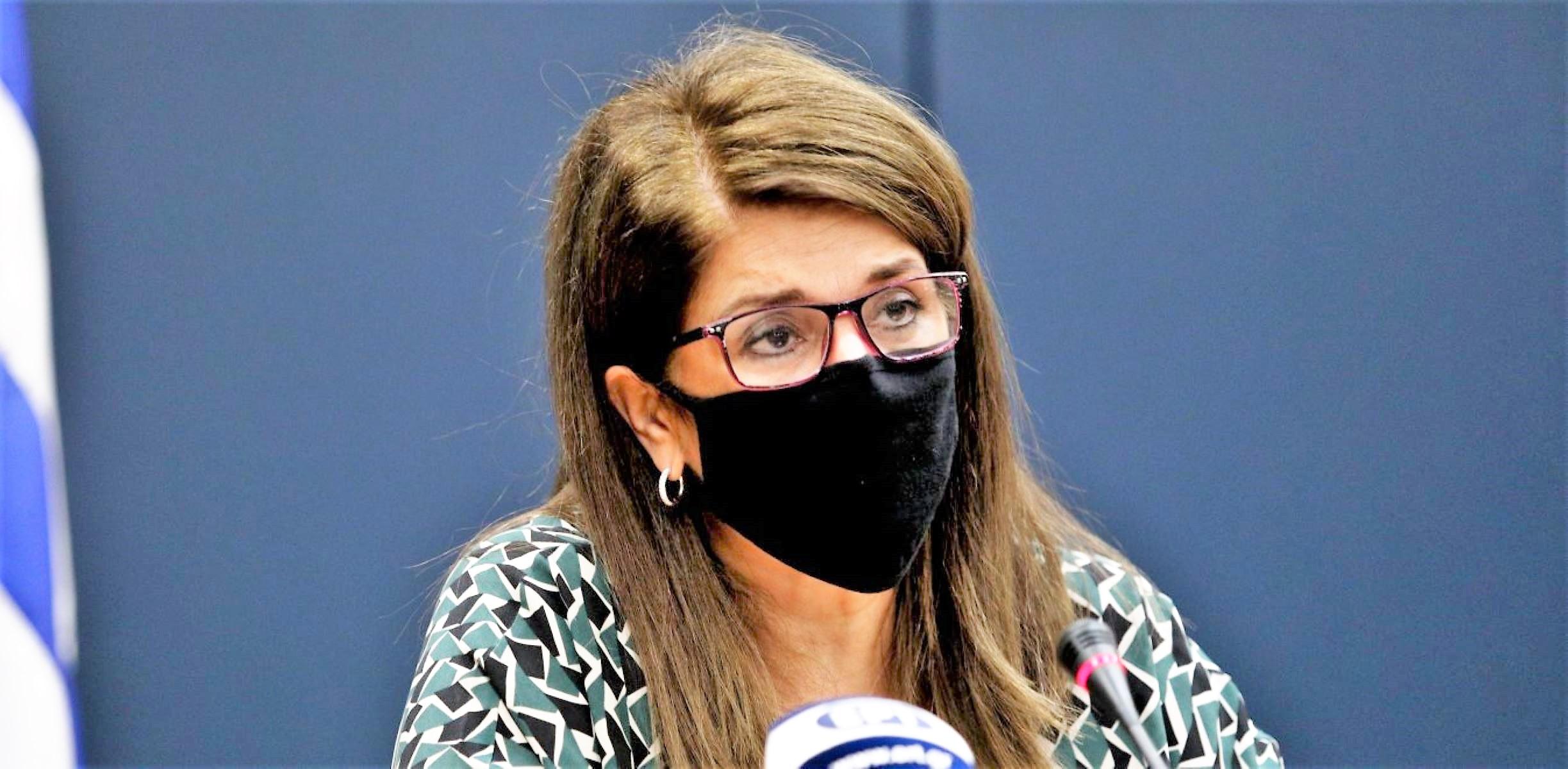 Παπαευαγγέλου – κορωνοϊός: «Μόλις 8 λεπτά αρκούν για να μεταδοθεί ο ιός στο σπίτι αν δε φοράμε μάσκα»