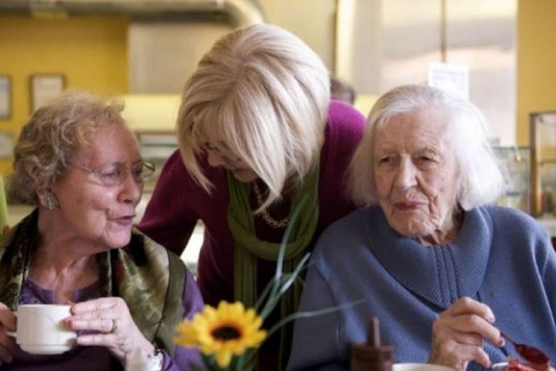 Άνοια Αλτσχάιμερ: Δύο ξεχωριστές νόσοι – Δείτε τις αιτίες και τα σημάδια