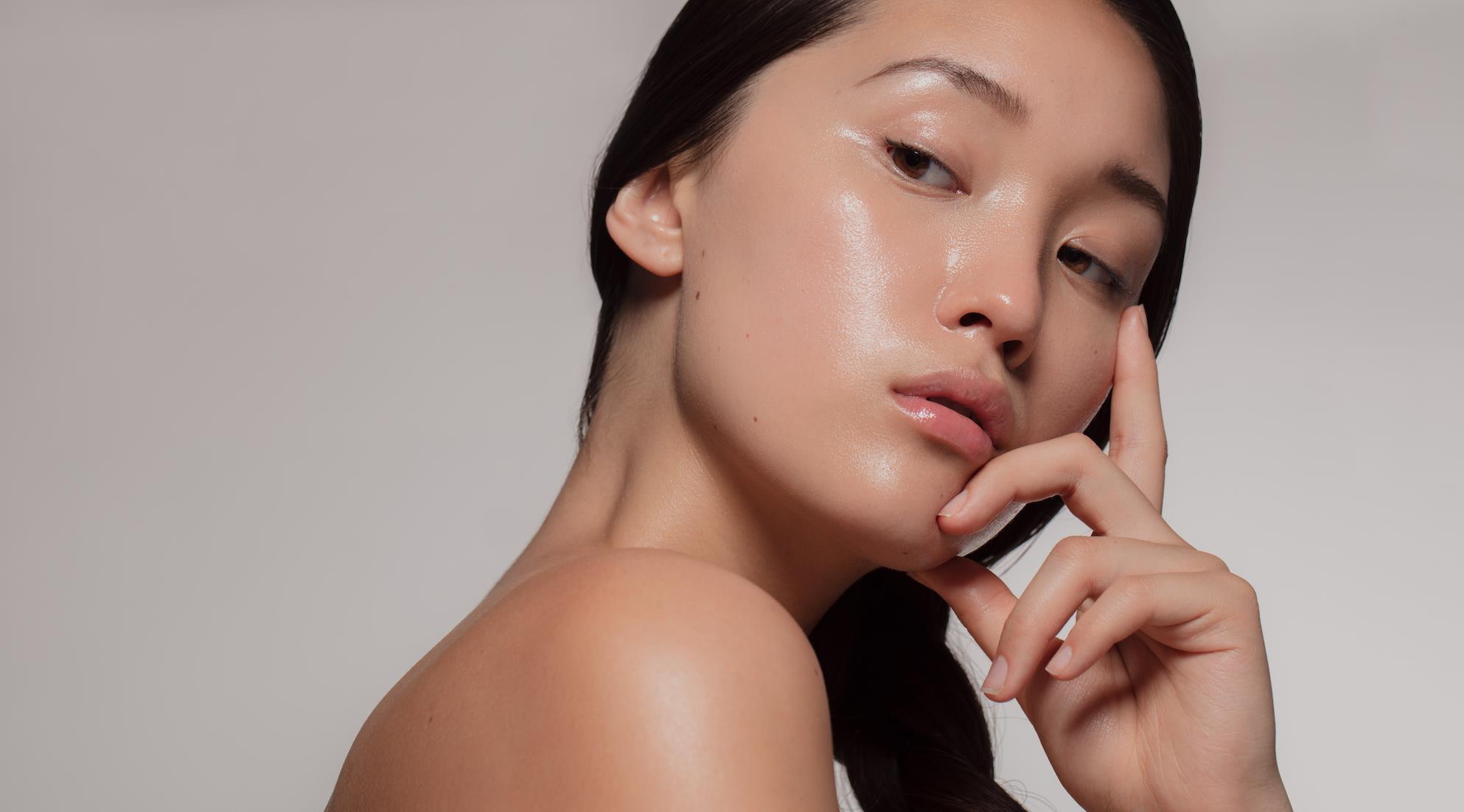 Λαμπερό Δέρμα Προσώπου: Tips για φυσική λάμψη