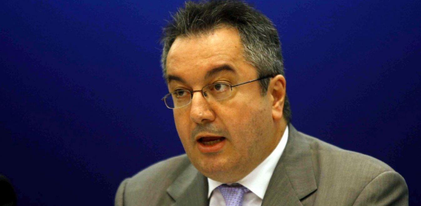 Μόσιαλος – εμβόλια: Καλεί την ελληνική κυβέρνηση να παρέμβει άμεσα στην Ευρωπαϊκή Επιτροπή