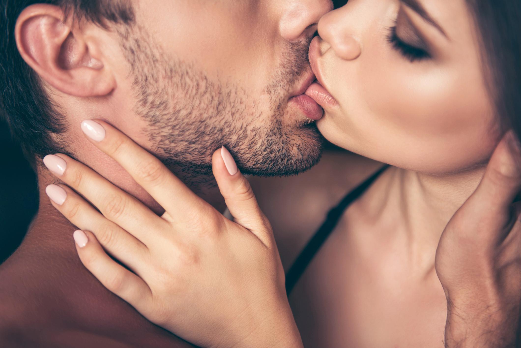 Σεξουαλική υγεία πανδημία κορωνοϊός: Πόσο επηρεάζει η καραντίνα την ερωτική μας ζωή;