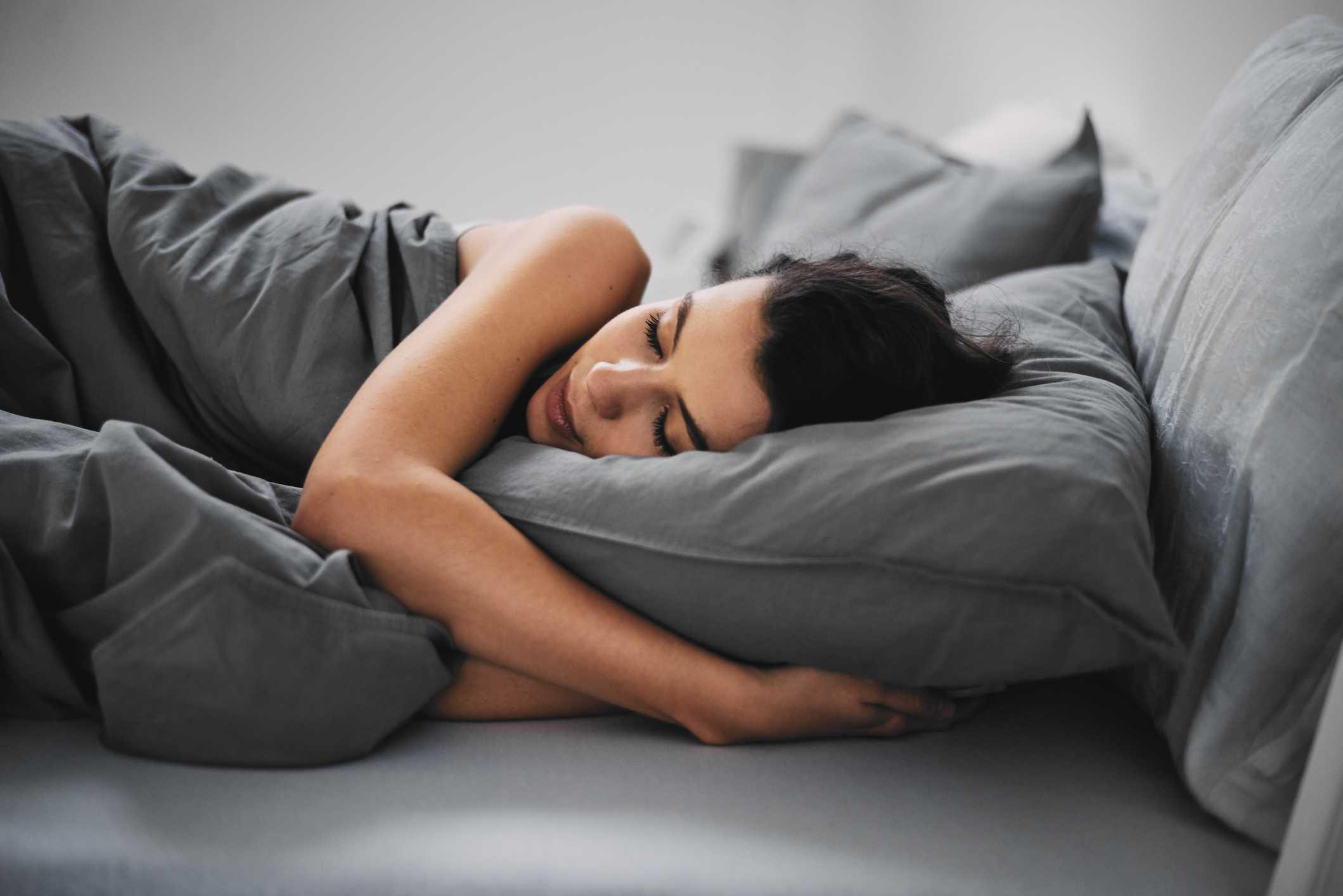 Άπνοια Ύπνου: Ποια είναι τα συμπτώματα και ποιοι κινδυνεύουν