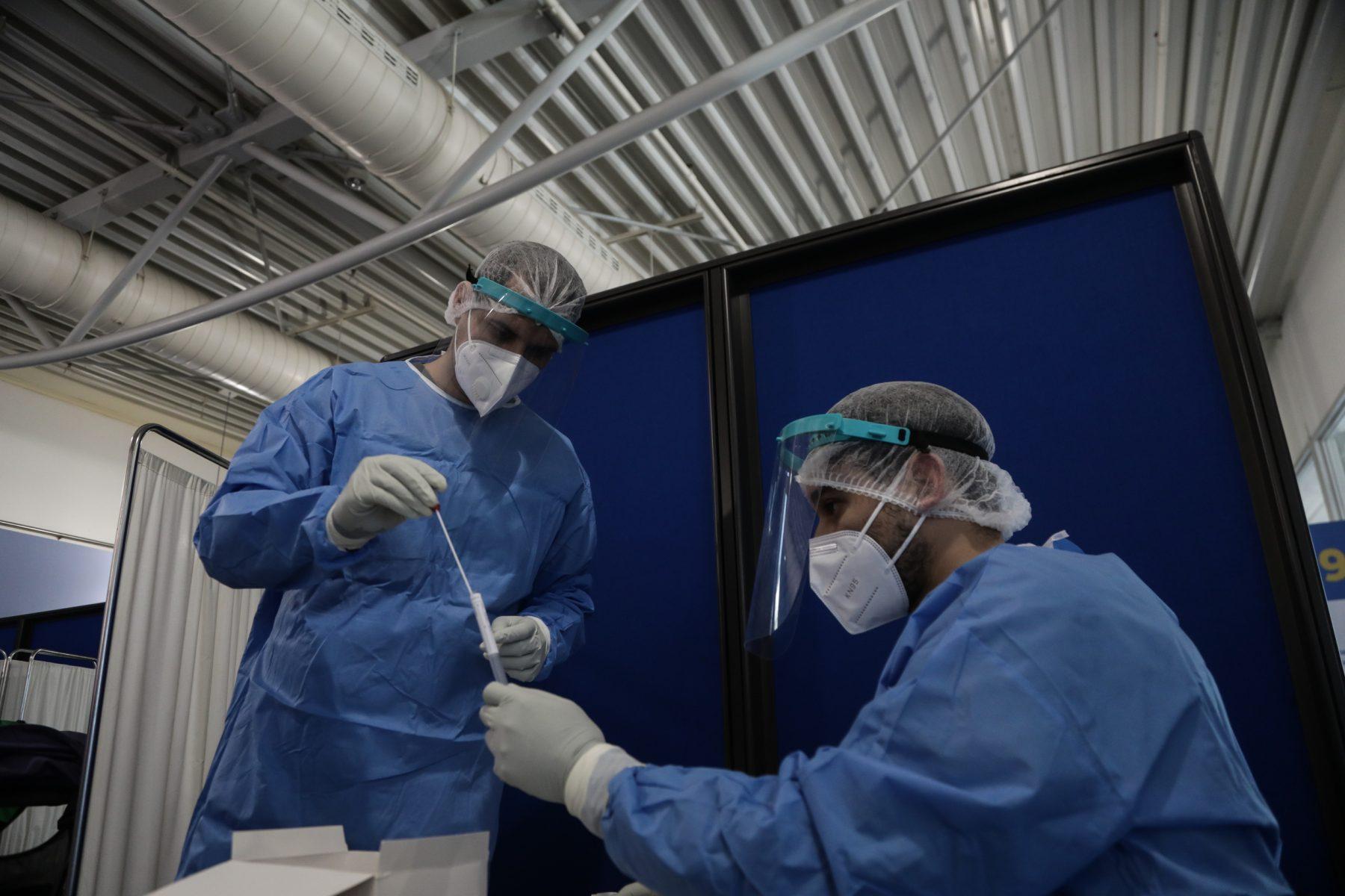 Κορωνοϊός κρούσματα: Συνεχίζεται η επιθετική πορεία του ιού – 300 νεκροί μέσα σε 3 ημέρες