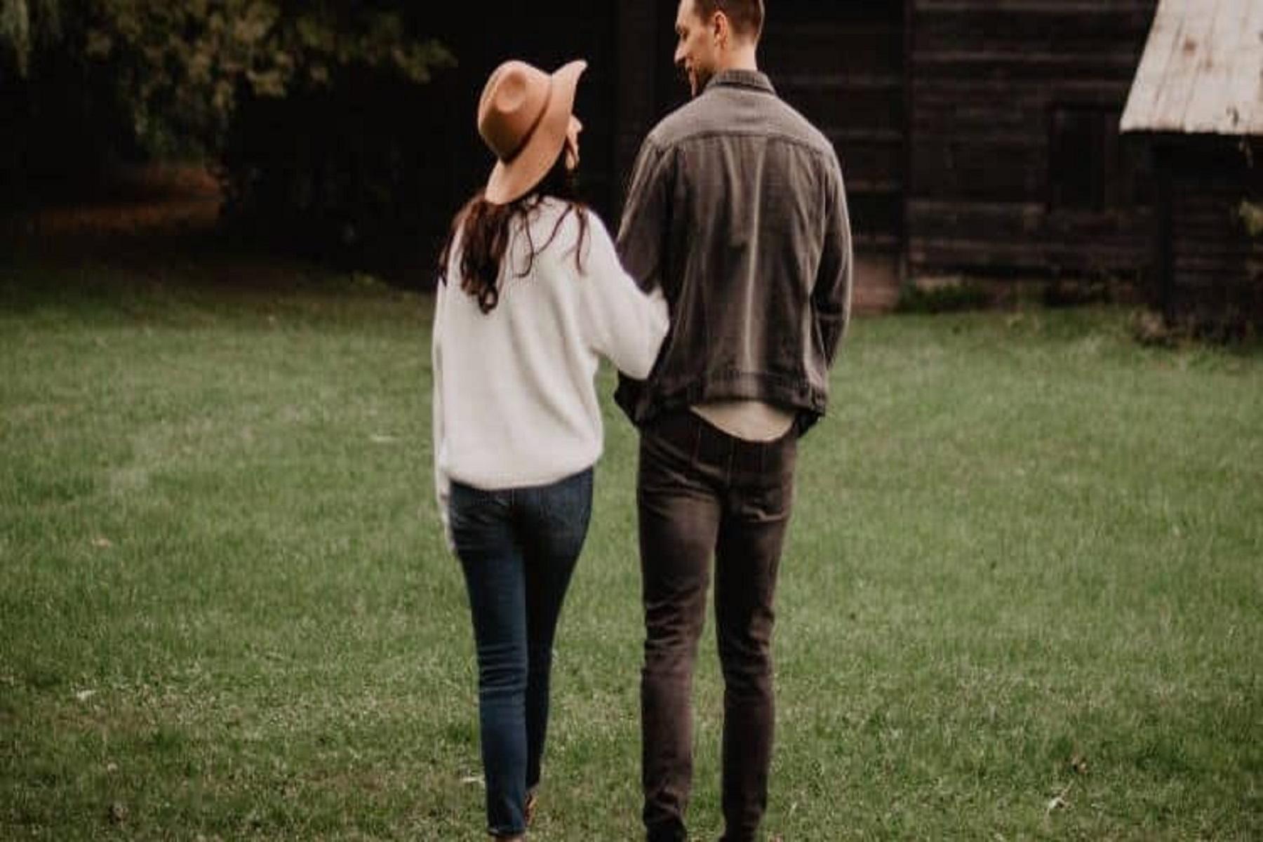 """Στρες Συντροφικότητα: Πώς να μην αφήνουμε το """"αγκάθι"""" να τραυματίζει τη σχέση μας"""