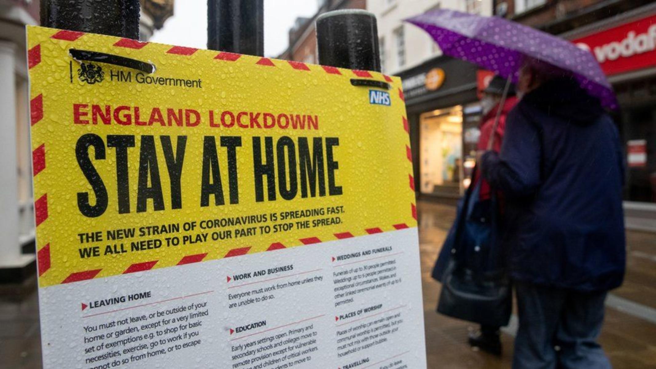 Αγγλία: 500 λίρες για κάθε πολίτη που είναι θετικός στον Covid-19