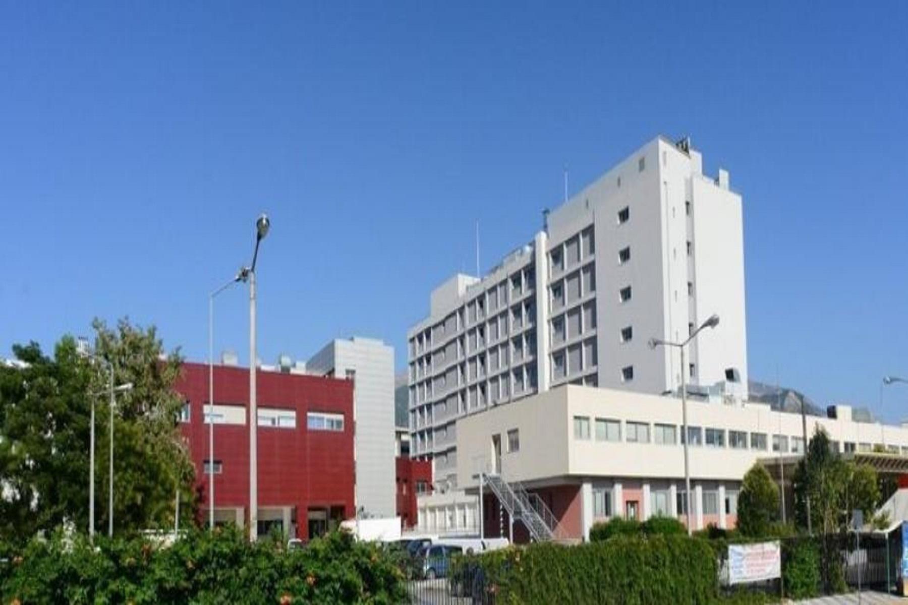 """Νοσοκομείο Πάτρα: Άμεση παρέμβαση του Διοικητή για το """"συμμάζεμα"""" της διασποράς του κορωνοϊού"""