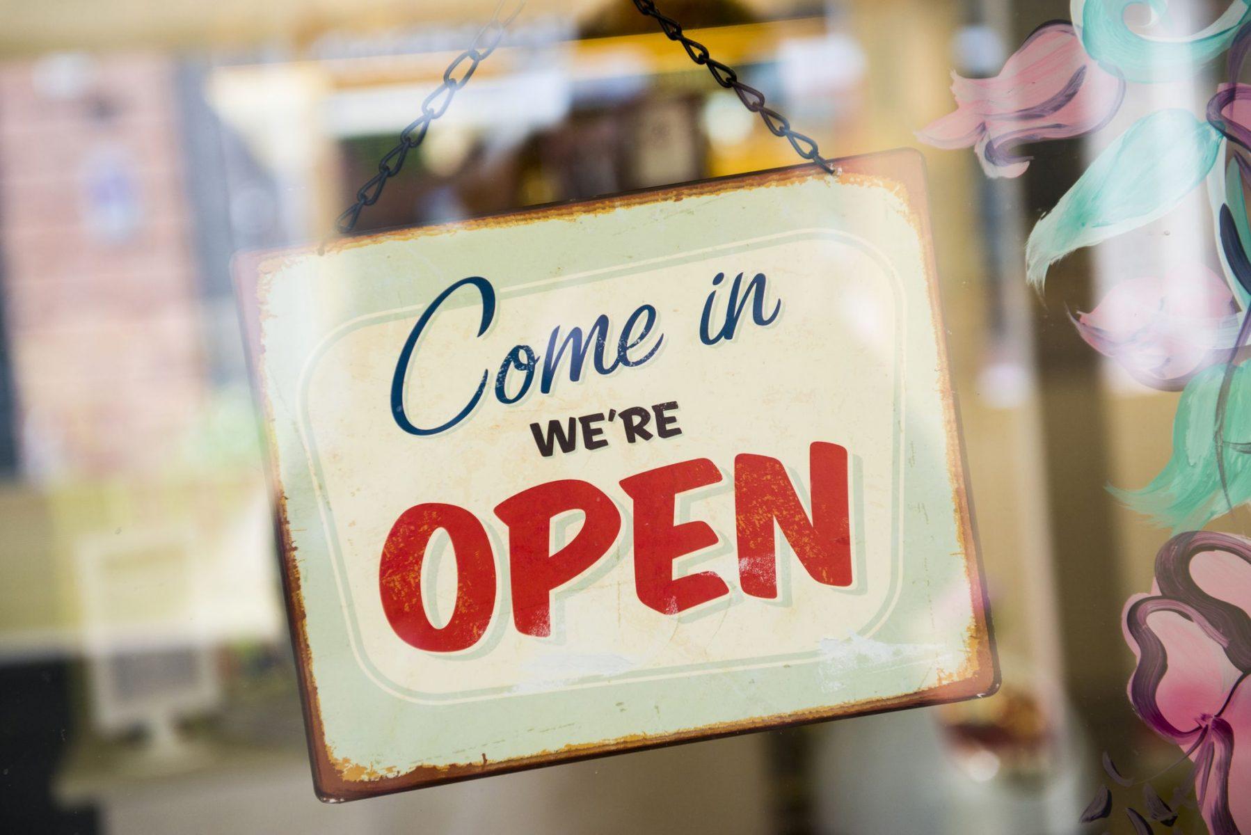 Πότε ανοίγουν τα μαγαζιά: Από σήμερα ανοιχτά τα καταστήματα
