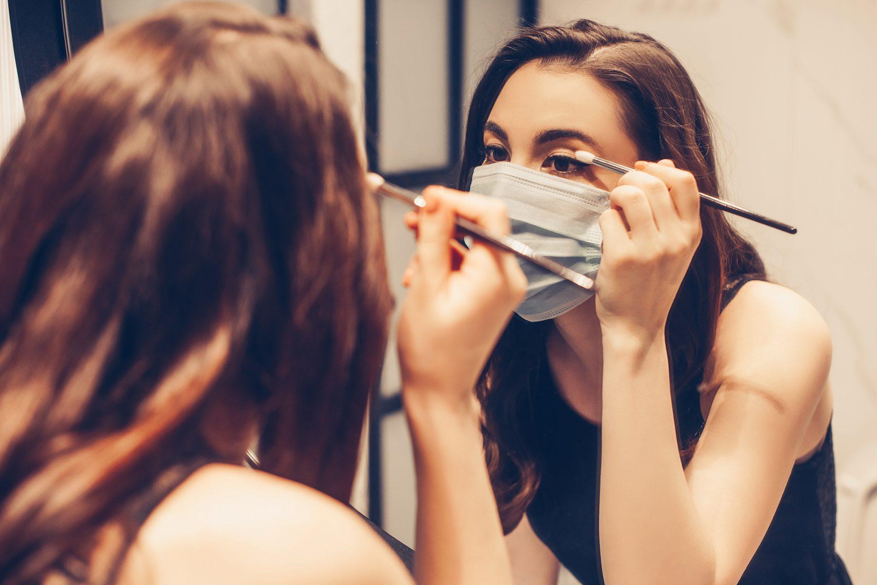 Μάσκες κορωνοϊός: 'Ερευνα δείχνει ότι οι άνθρωποι είναι πιο ελκυστικοί