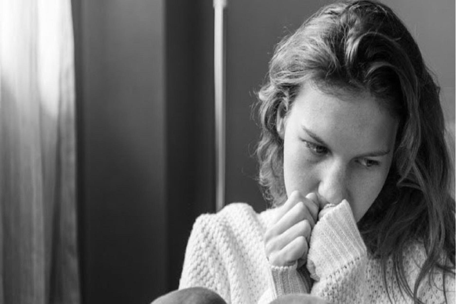 Κατάθλιψη: Οι άνθρωποι με άγχος εμφανίζουν Αλτσχάιμερ σε πιο νεαρή ηλικία